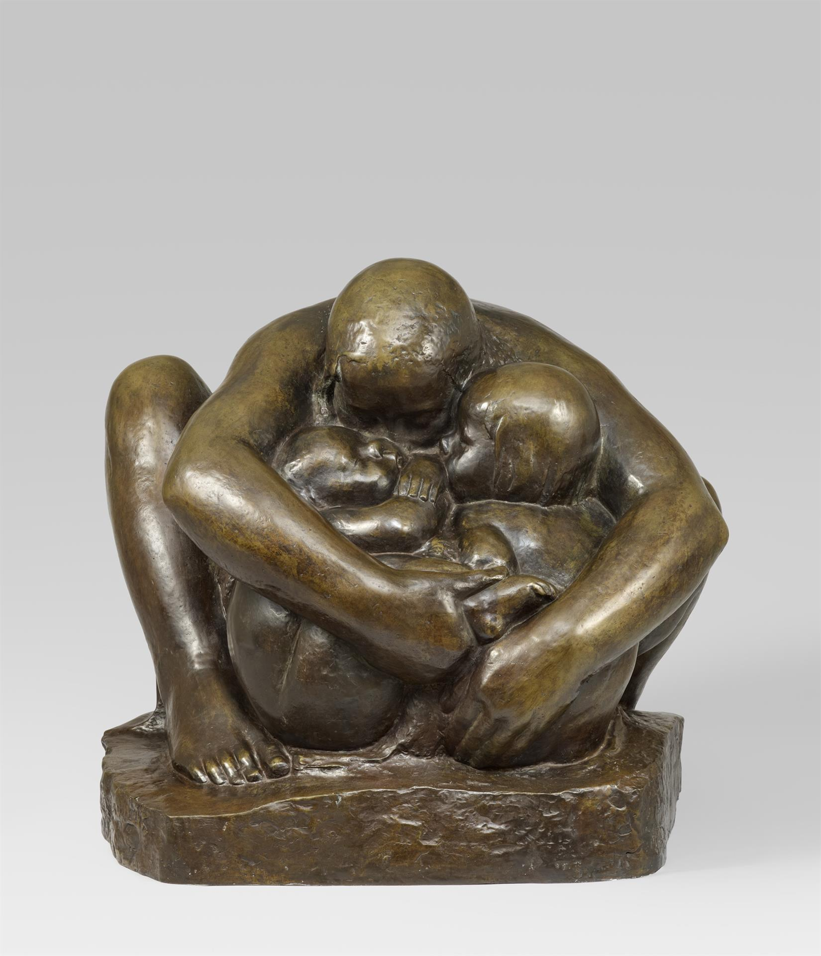 Käthe Kollwitz, Mother with two Children, 1932-1936, bronze, Seeler 29 I.B.6., Cologne Kollwitz Collection © Käthe Kollwitz Museum Köln